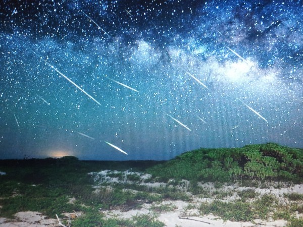 Eta_Aquarids_Meteor_Shower