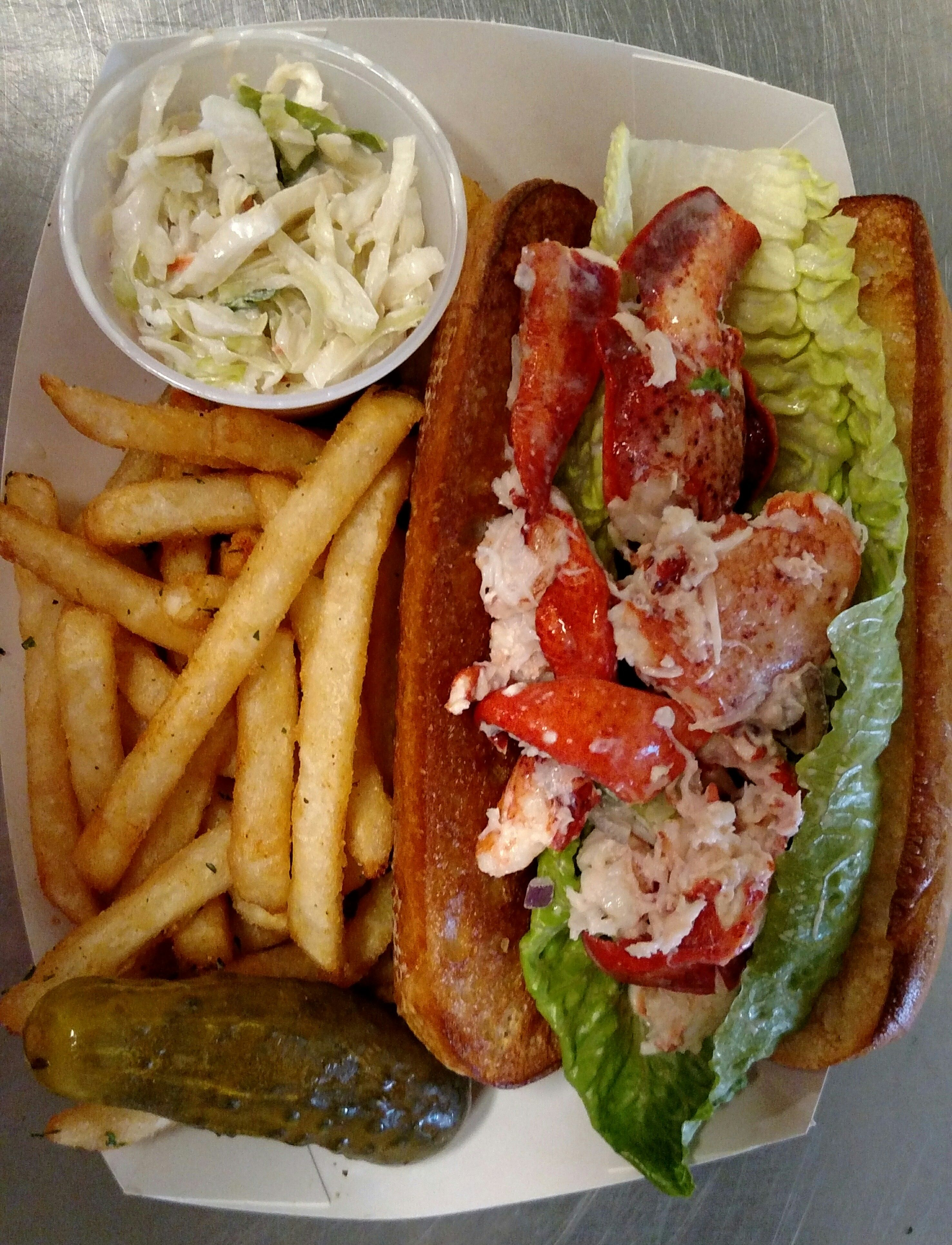 8 places you need to get a lobster roll from long island for Seafood fish market