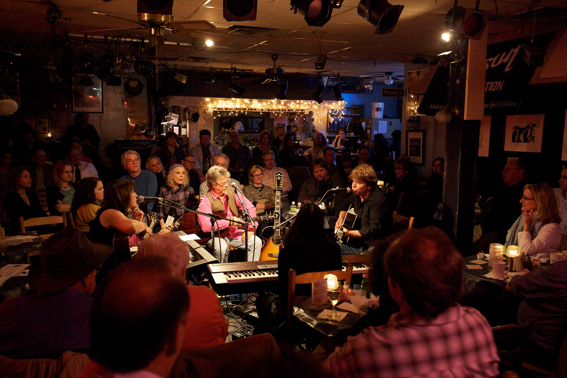 The Bluebird Cafe is a can't miss stop in Nashville. image: bluebird cafe