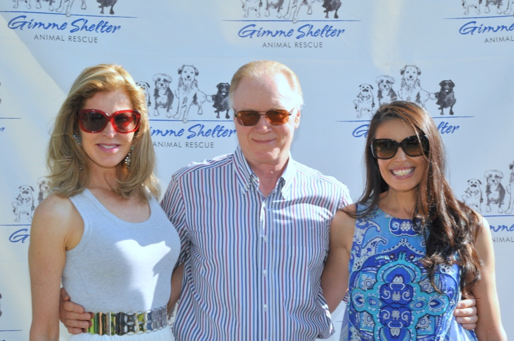 Ellen and Chuck Scarborough on the red carpet with Gimme Shelter founder Michelle Neufeld (image: kristin l. gray photography)