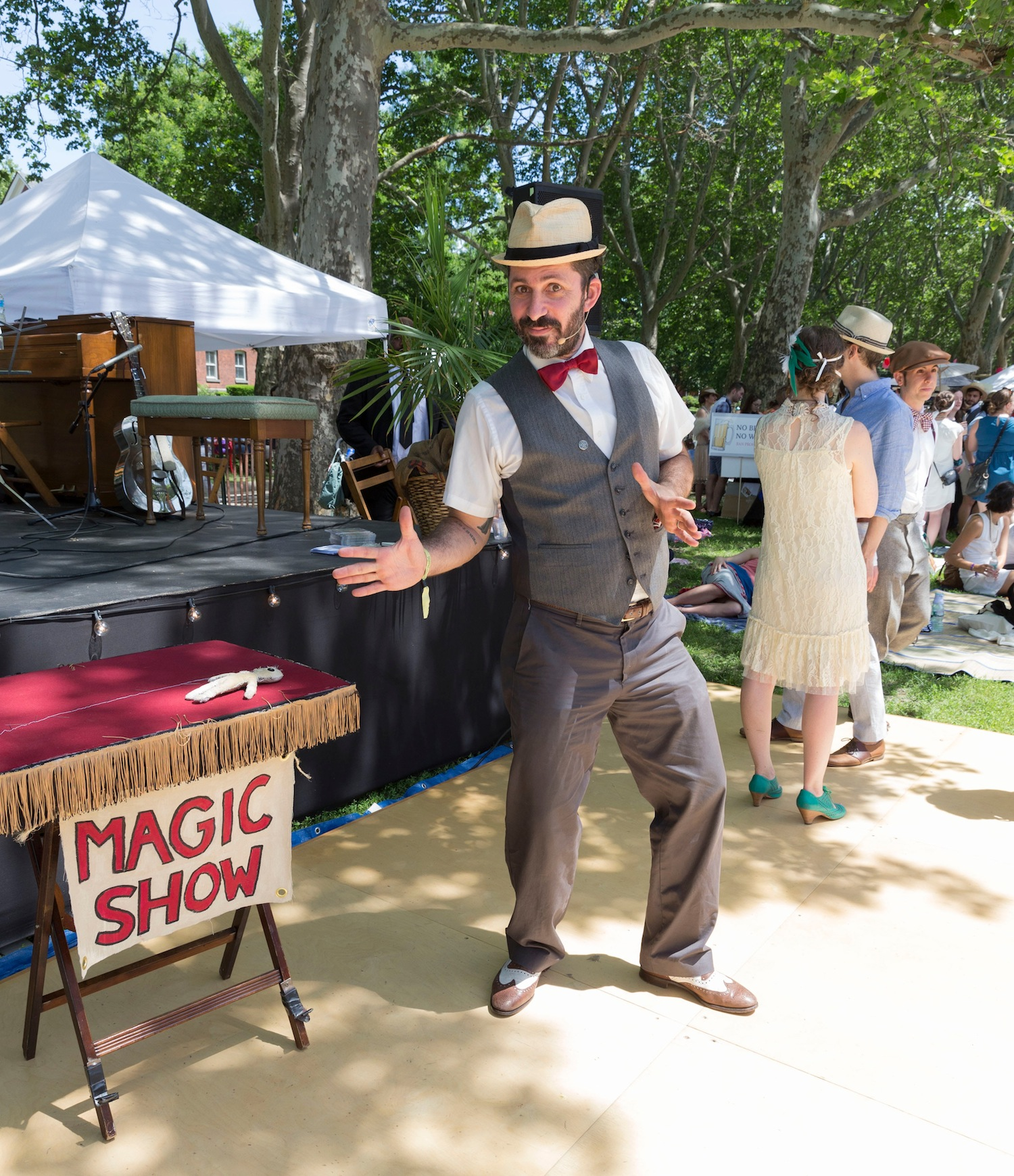 image: A magician at the Jazz Age Lawn Party (credit: lev radin)