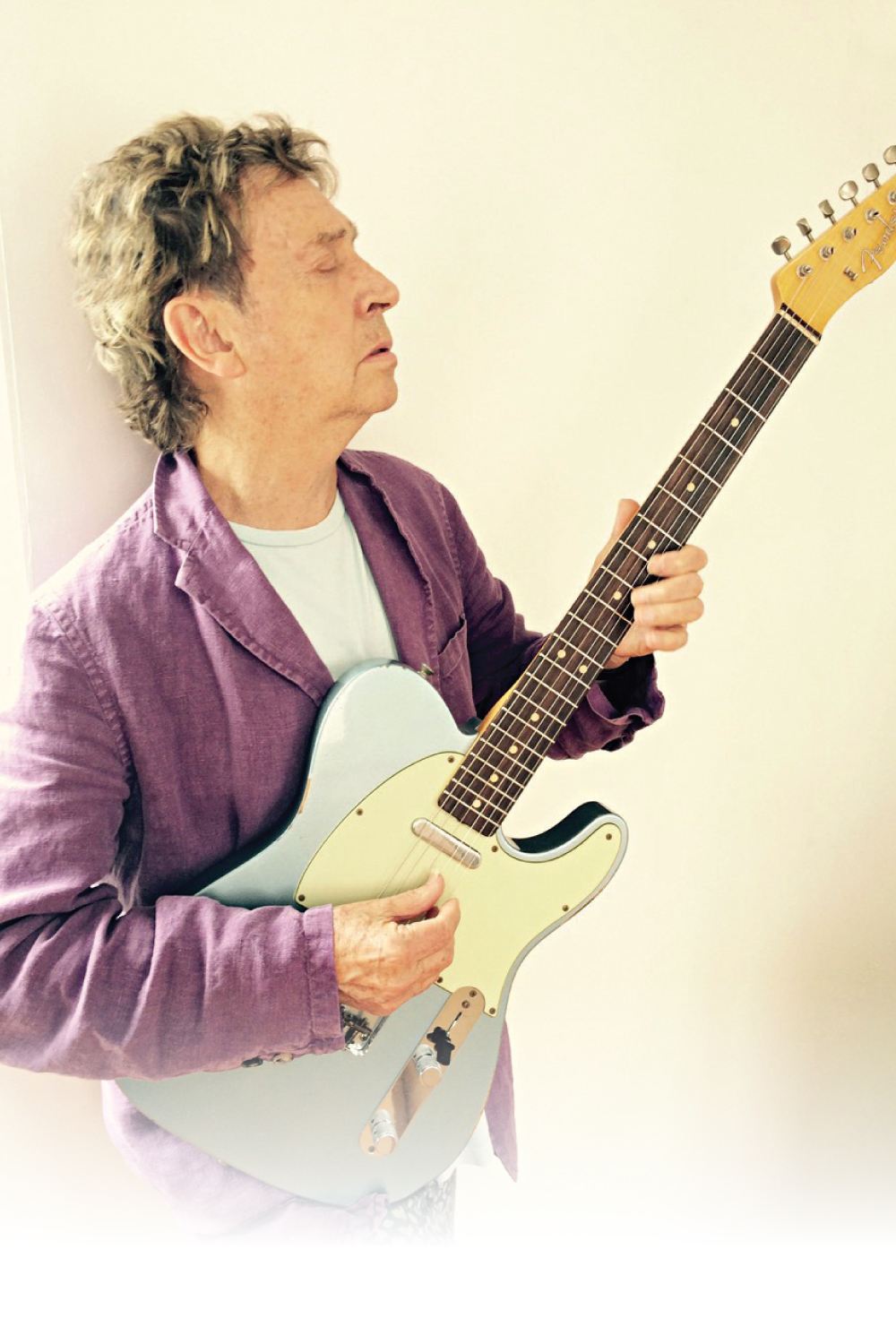 "Andy Summers proves you can teach an old(er) dog new tricks in his recent ""me-only""Metal Dog release."