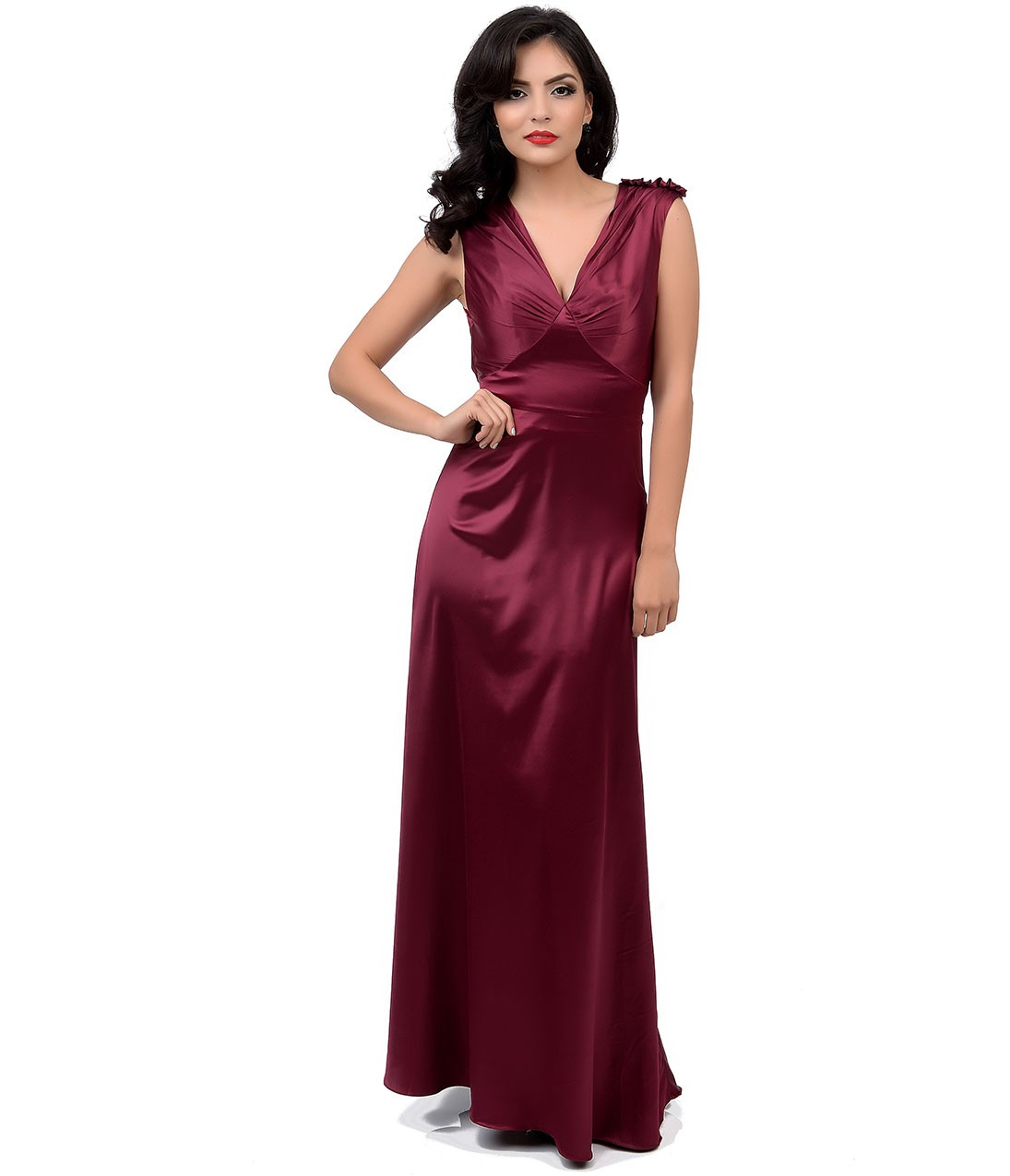 Live out your Oscar dreams in a red-carpet worthy gown credit: Unique Vintage