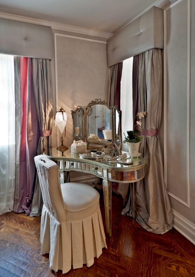 image: kim e. courtney interiors & design