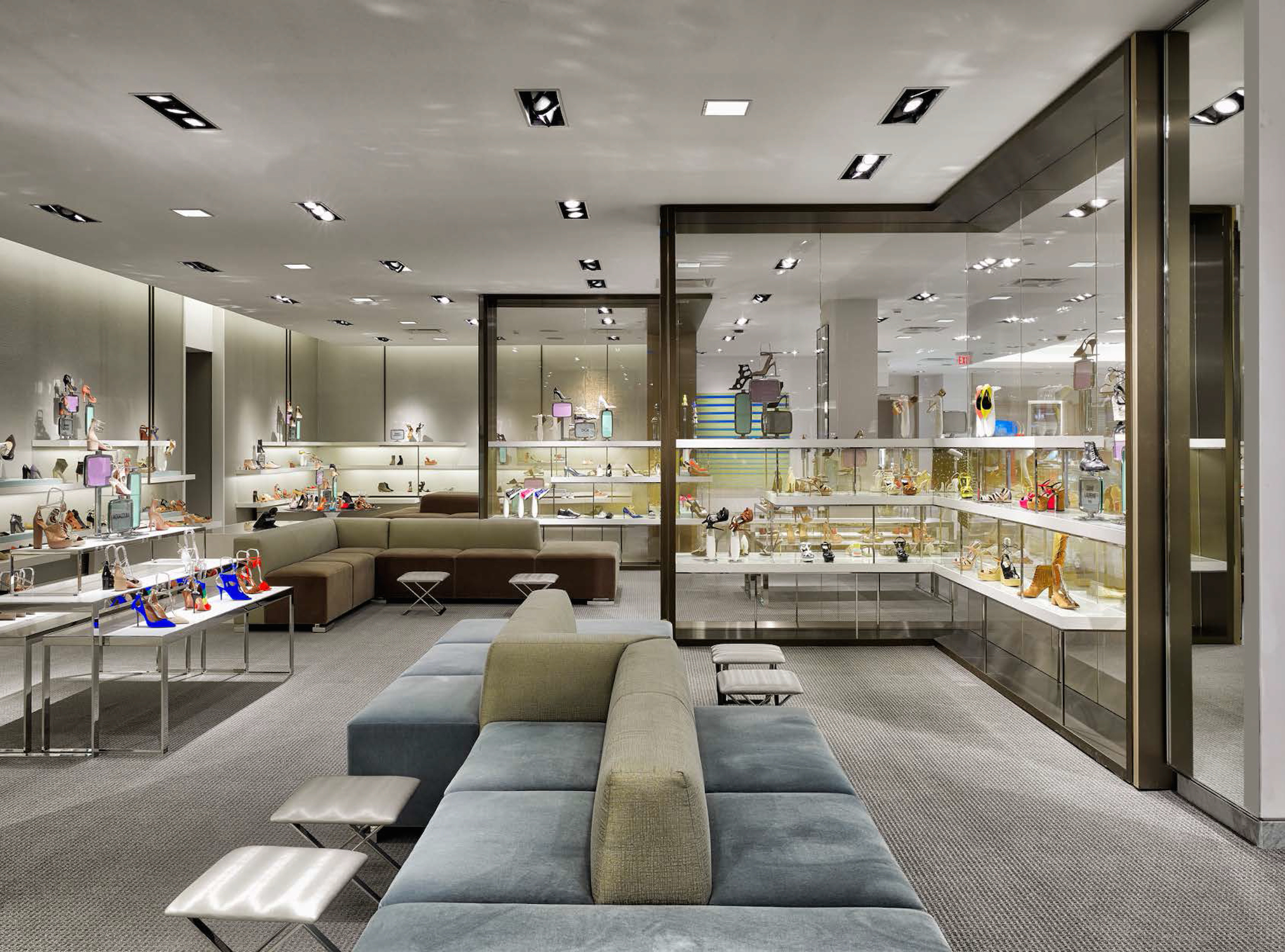 Neiman marcus opens first long island location long for Roosevelt field jewelry stores