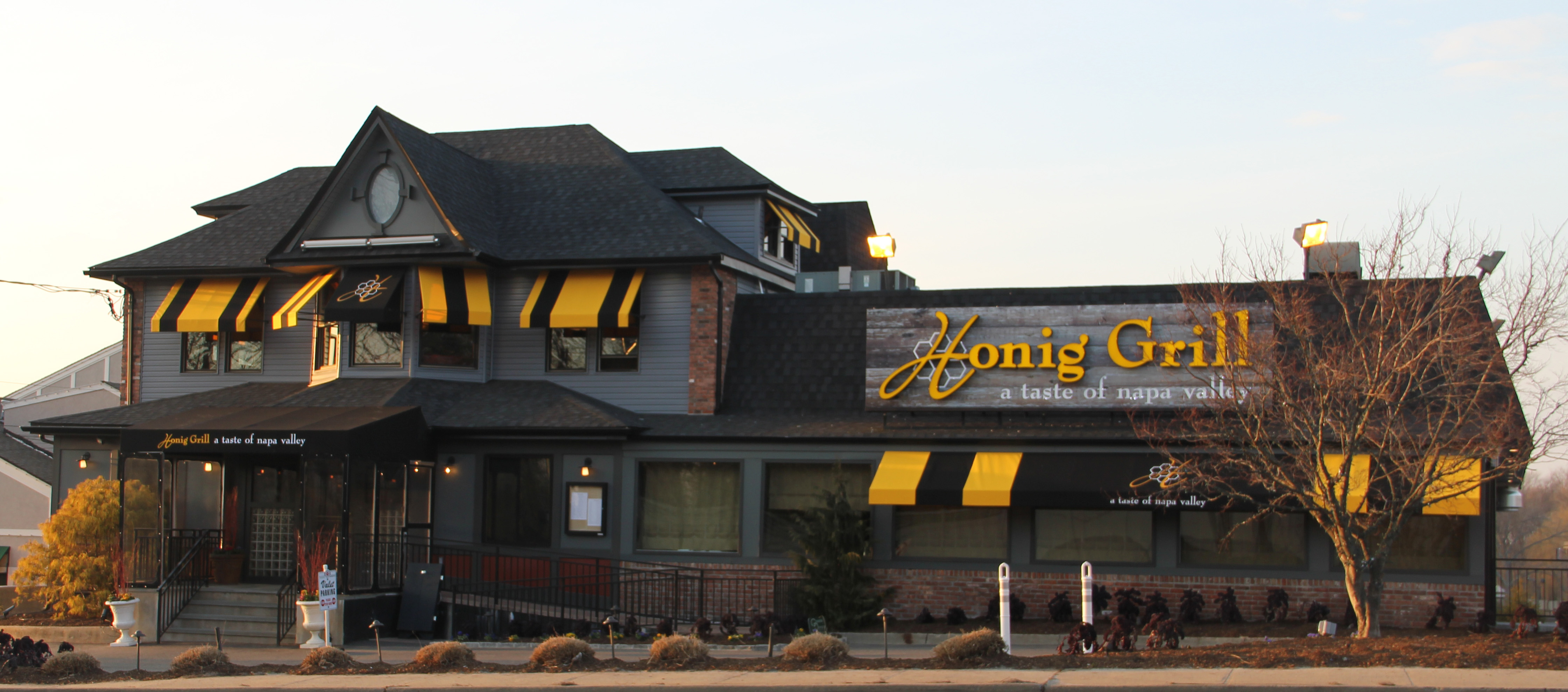 Honig Grill Brings the Taste of Napa Valley to Long Island | Long ...