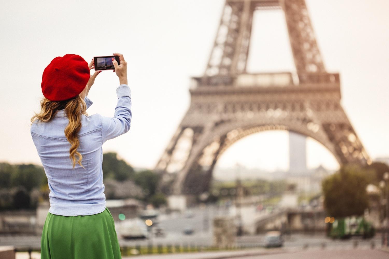 avoid looking like a tourist