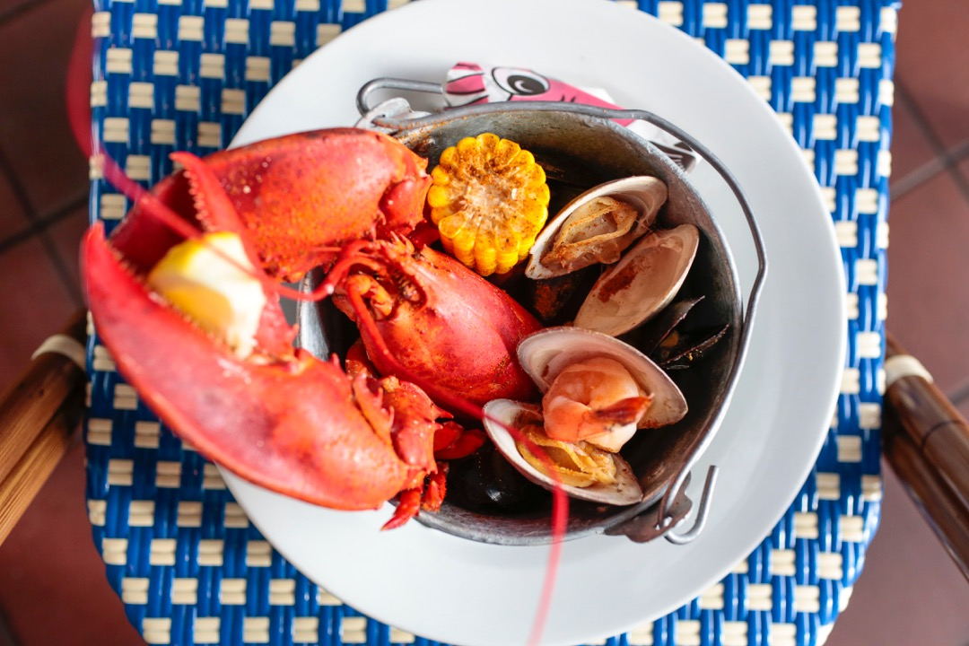 navy_beachseafoodbucket
