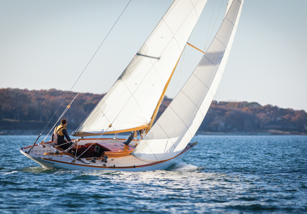 INVADER, an 8 metre yacht built by Wooden Boatworks, sailing to windward east of Shelter Island