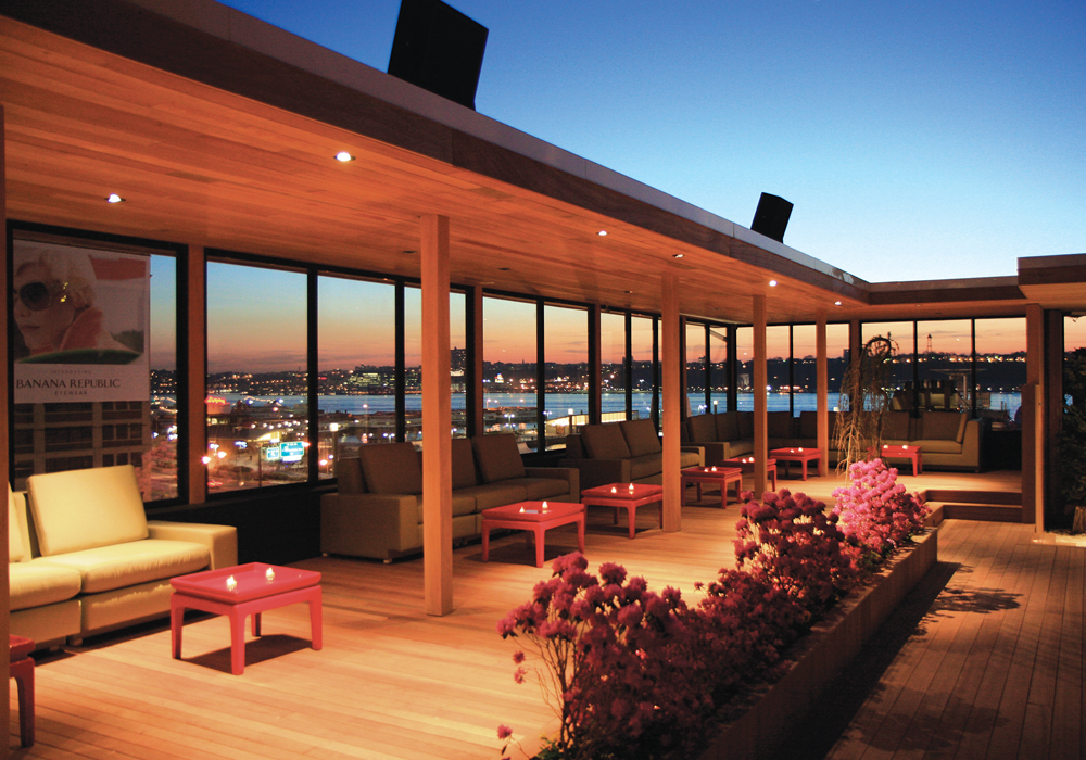 The 2016 ultimate guide to nyc rooftop bars long island for Rooftop bar and terrace