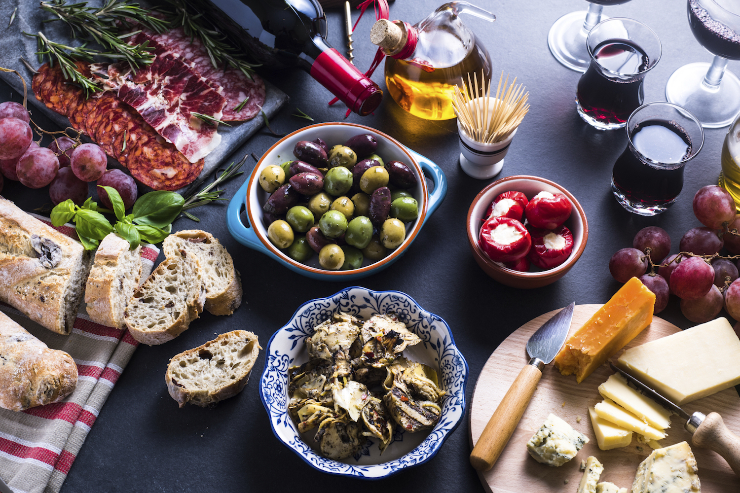 Olives, salty nuts and bland crackers add variety to your tasting menu image: merc67