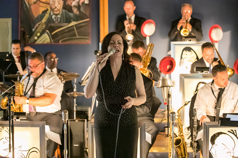 Lauren Kinhan w:big band