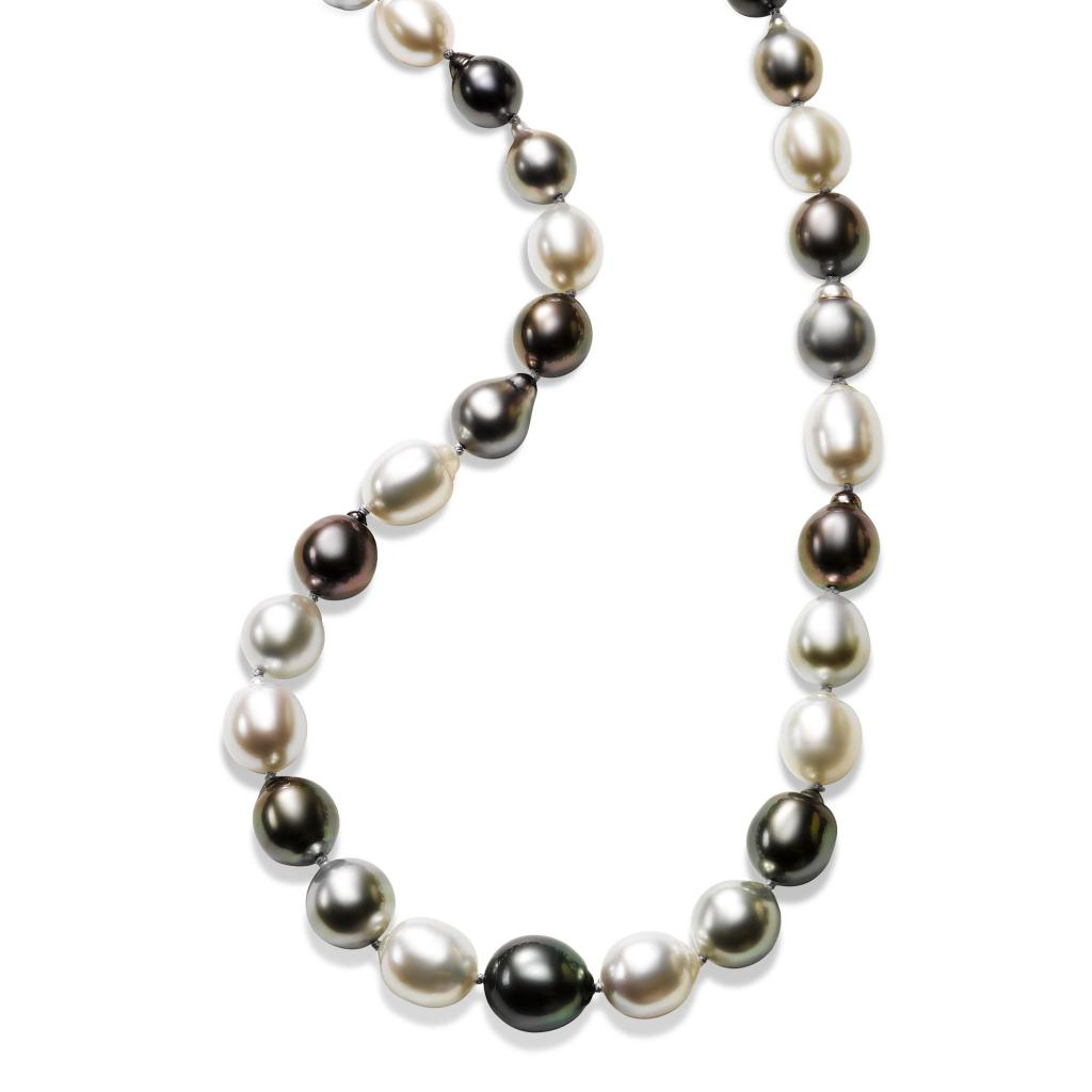 Put a unique spin on classic pearls with a Tahitian Pearl necklace at Fortunoff Fine Jewelry.