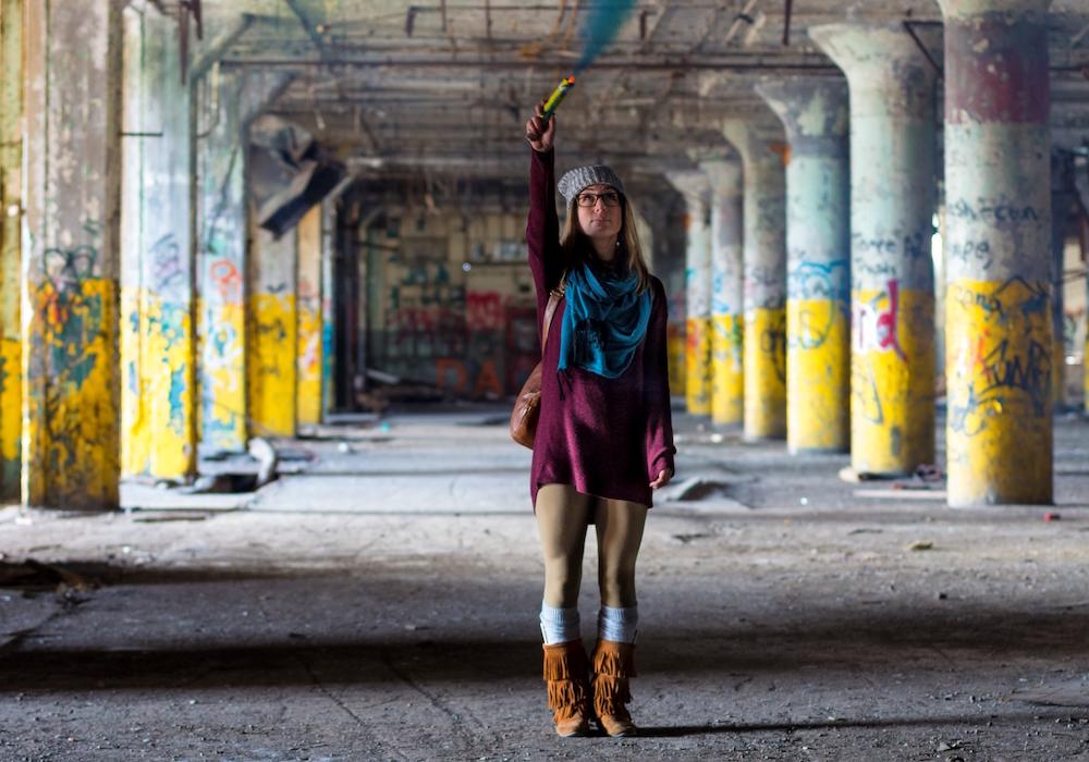 girlwearingoversizedsweater-photobyJorgeFlores