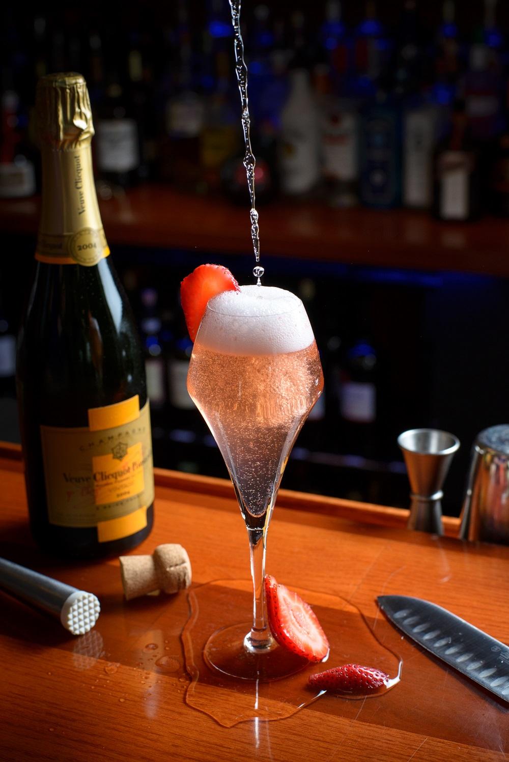 cocktail at Spiro's Lounge & Restaurant
