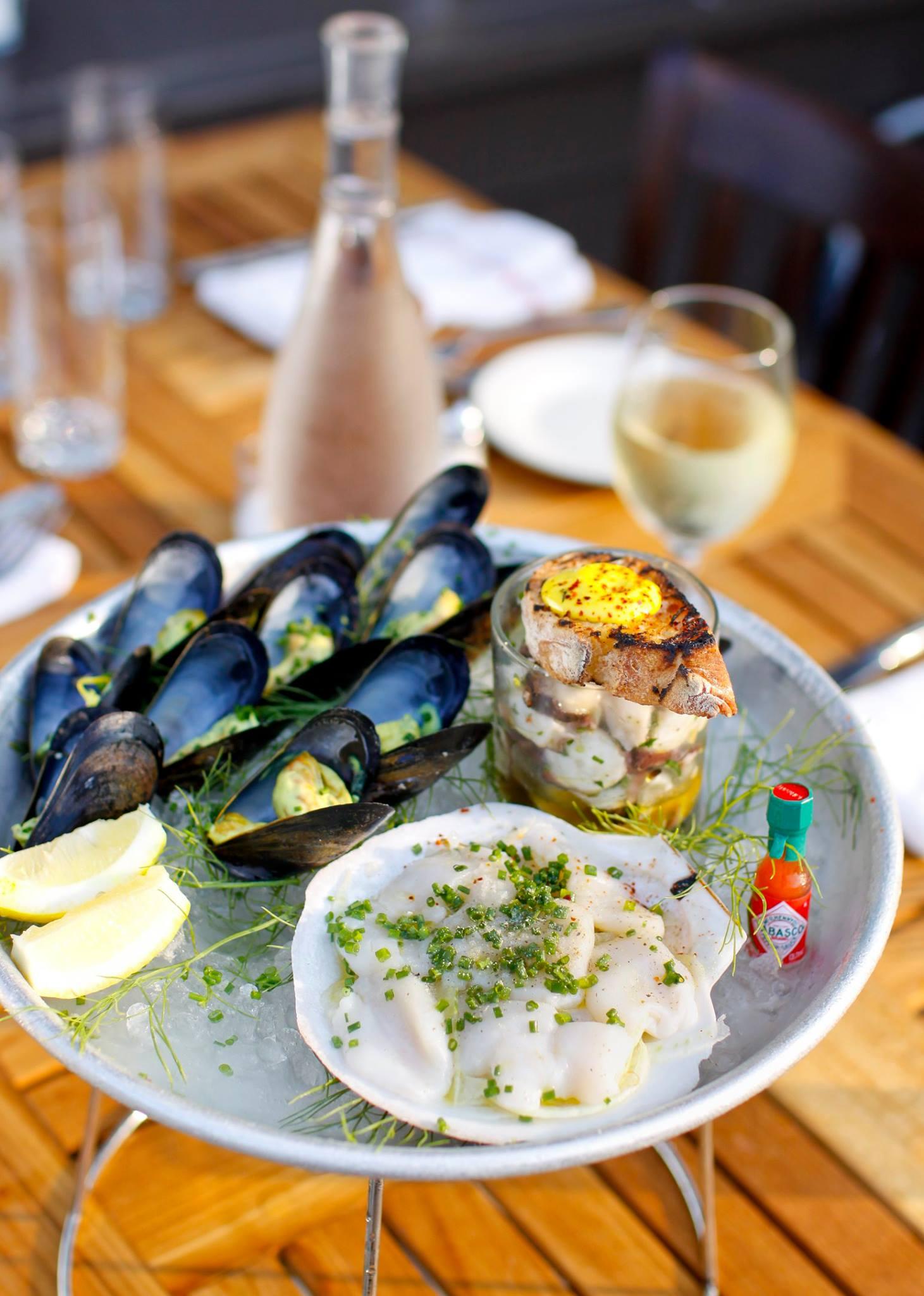 image: facebook.com/almondrestaurant