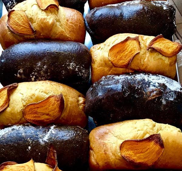image: instagram.com/Carissas_Breads