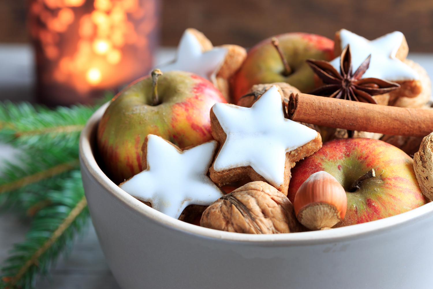 gingerbread, apples and cinnamon