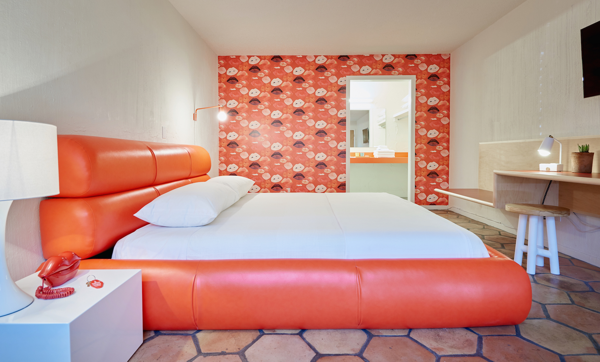 Austin Motel - guestroom 01 - Nick Simonite