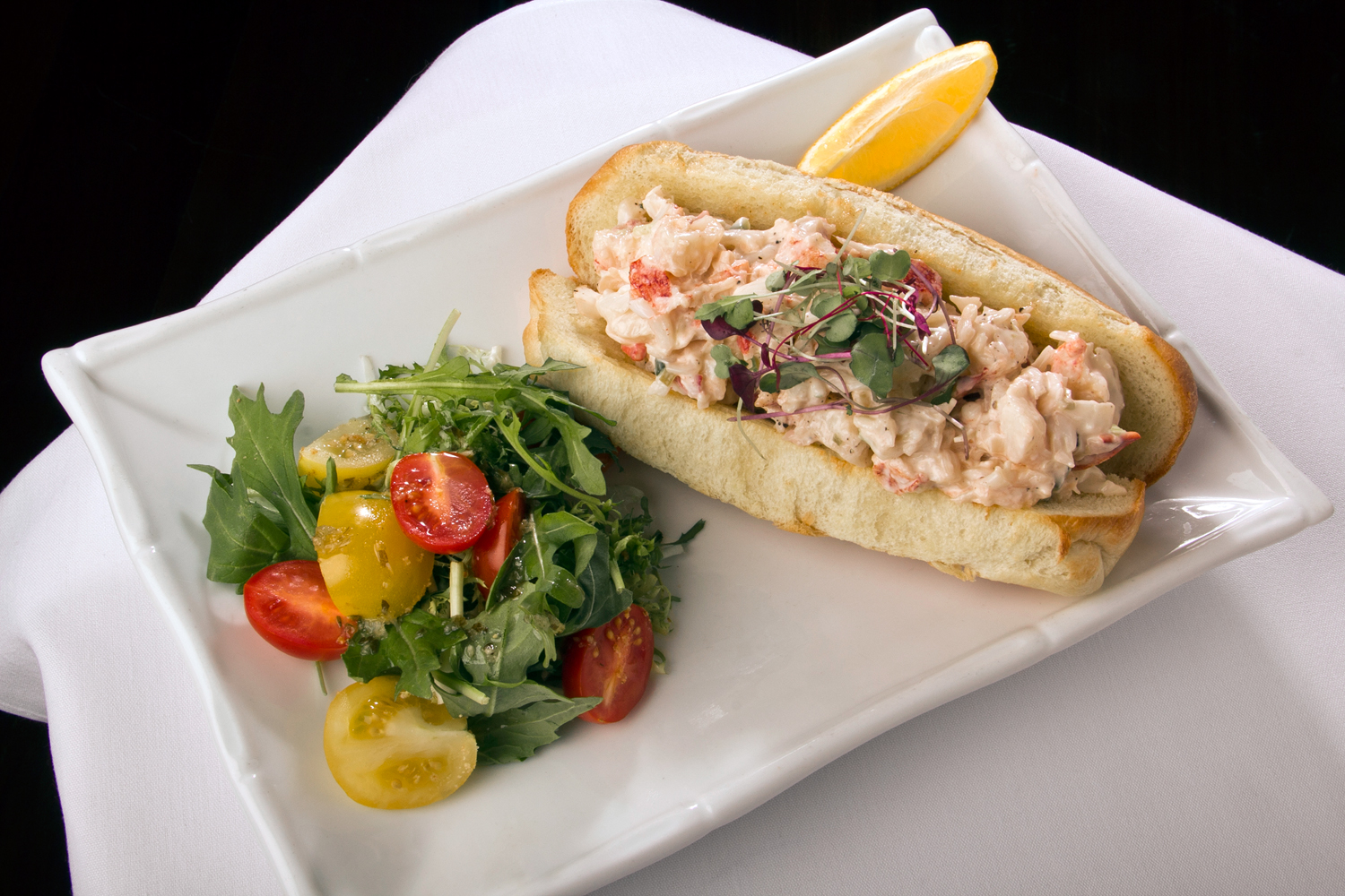 Places You Need to Get a Lobster Roll From | Long Island Pulse ...