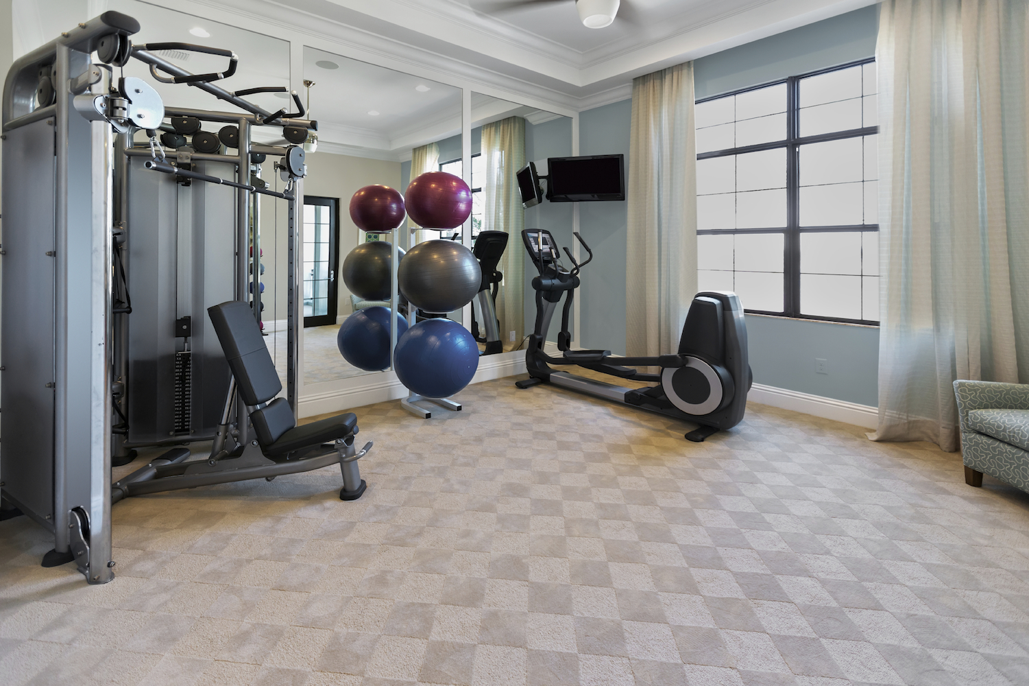 5 ways to build the ultimate home gym long island pulse magazine. Black Bedroom Furniture Sets. Home Design Ideas