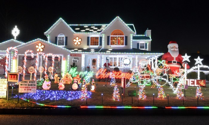 Best Christmas Lights Near Me.Share The Best Holiday Lights Displays On Long Island Long