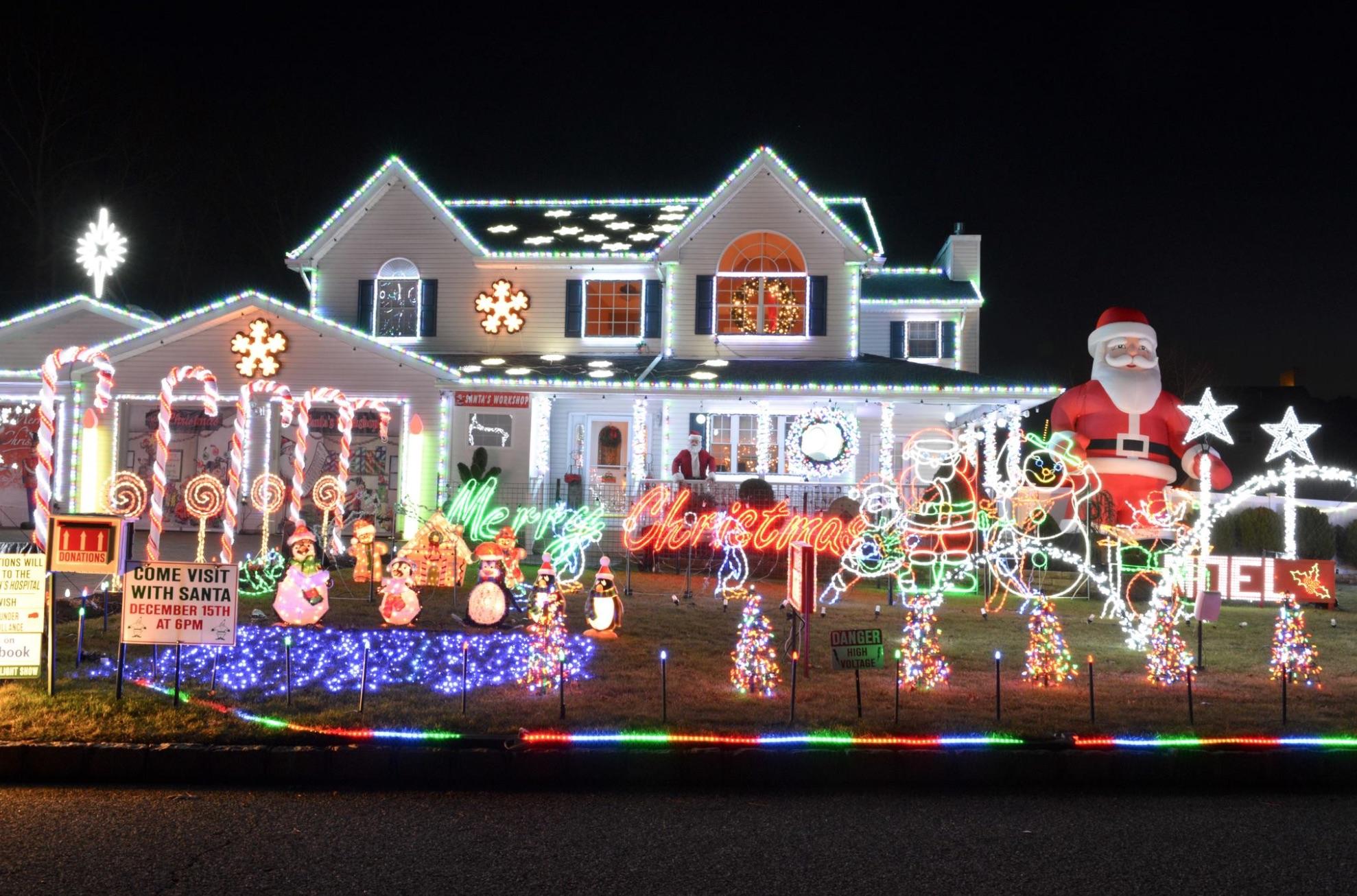 Christmas House.5 Long Island Homes With Amazing Holiday Light Displays