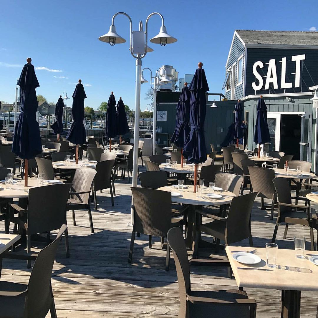 Long Island: 8 Long Island Waterfront Restaurants To Try This Summer